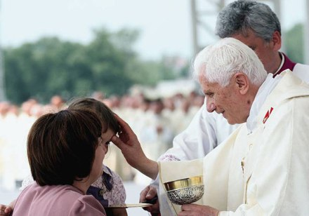 Benedict XVI blessing a child in Zagreb, Croatia